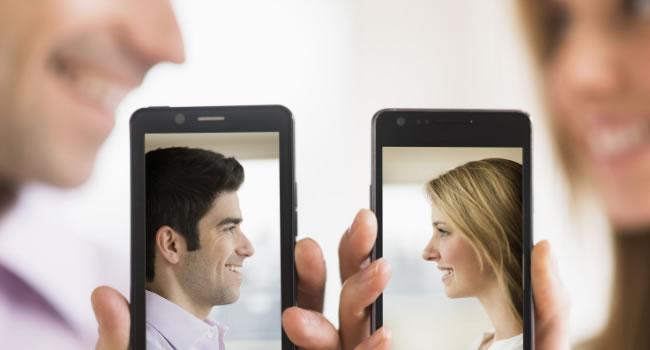 Conocer gente a través del teléfono verdades y mitos